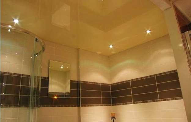 Натяжные-потолки-для-ванной