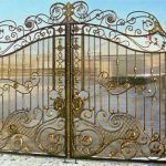 Пять преимуществ кованых ворот и заборов