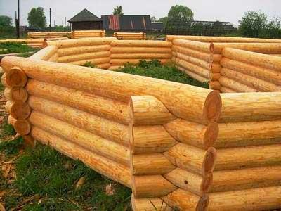 Монолит,-кирпич-или-древесина-что-выбрать-для-строительства