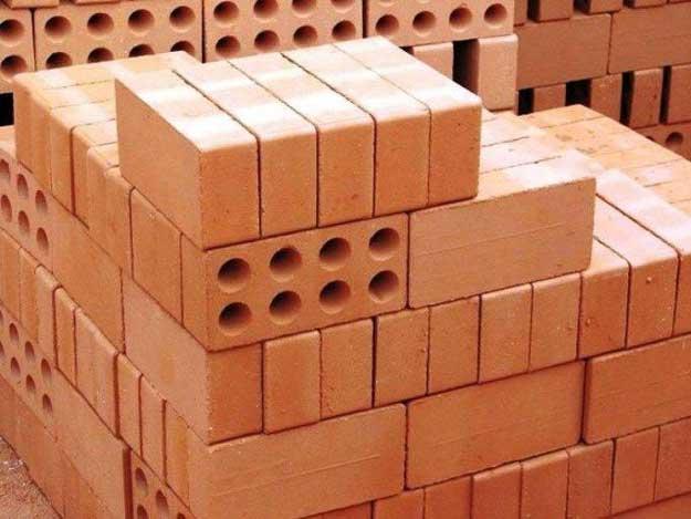 Монолит,-кирпич-или-древесина-что-выбрать-для-строительства__