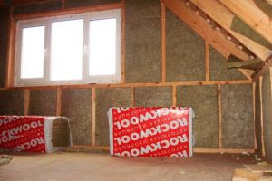 Чем утеплить стены внутри дачного домика — топ-3 популярных вариантов